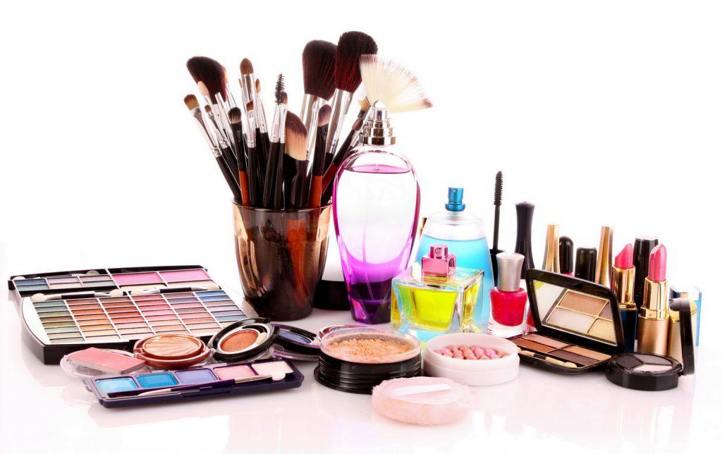 Quantos cosméticos de cores e cuidado devemos usar?